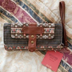 NWT Brown wallet clutch wristlet removable strap